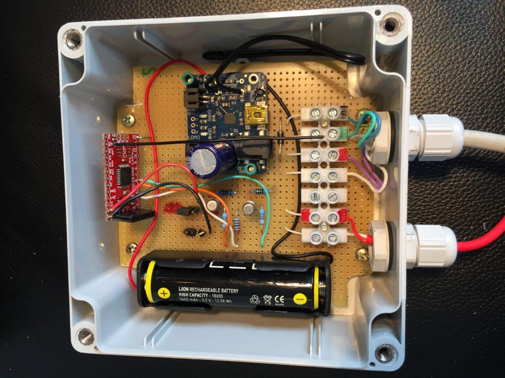 Gesamte Elektronik mit Prozessor/Sendemodul, LiIon Laderegler, LiIon Akku und LED Ansteuerung